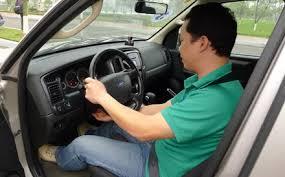Đi số sàn không cần dùng côn - Học lái xe oto.
