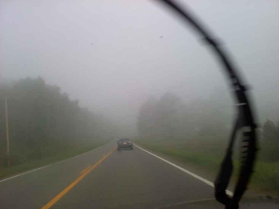 Những lưu ý cho người lái xe oto khi đi trong sương mù.