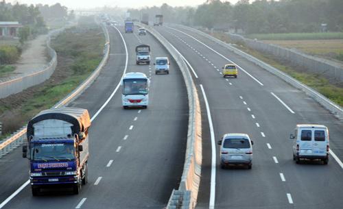 Bí quyết lái xe oto trên đường cao tốc