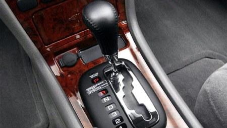 Học lái xe oto số tự động
