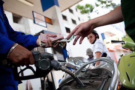 Bí quyết mua xăng cho xe oto, xe máy