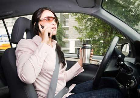 những điều cần biết cho phụ nữ khi điều khiển xe oto