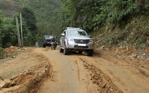 Một số chú ý khi lái xe oto về vùng nông thôn, vùng núi