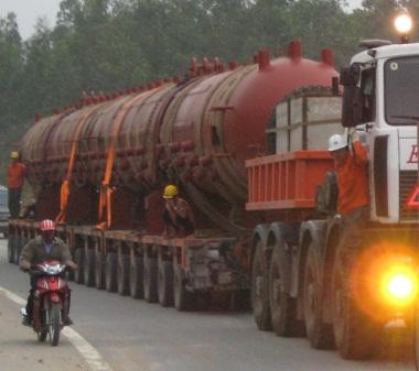 Cận cảnh chiếc xe oto 158 bánh tại Việt Nam