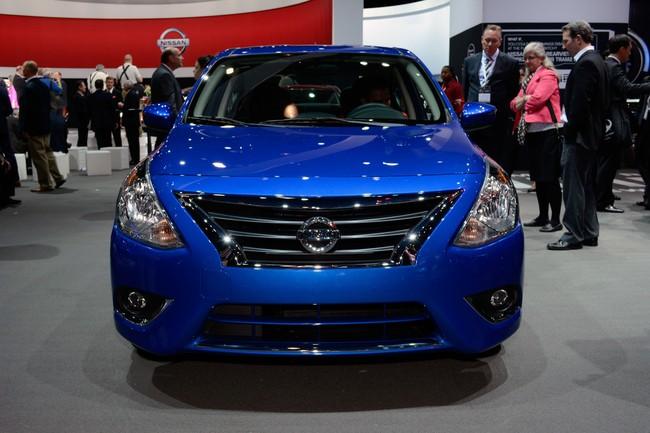 xe oto nissan versa 2015 giá rẻ