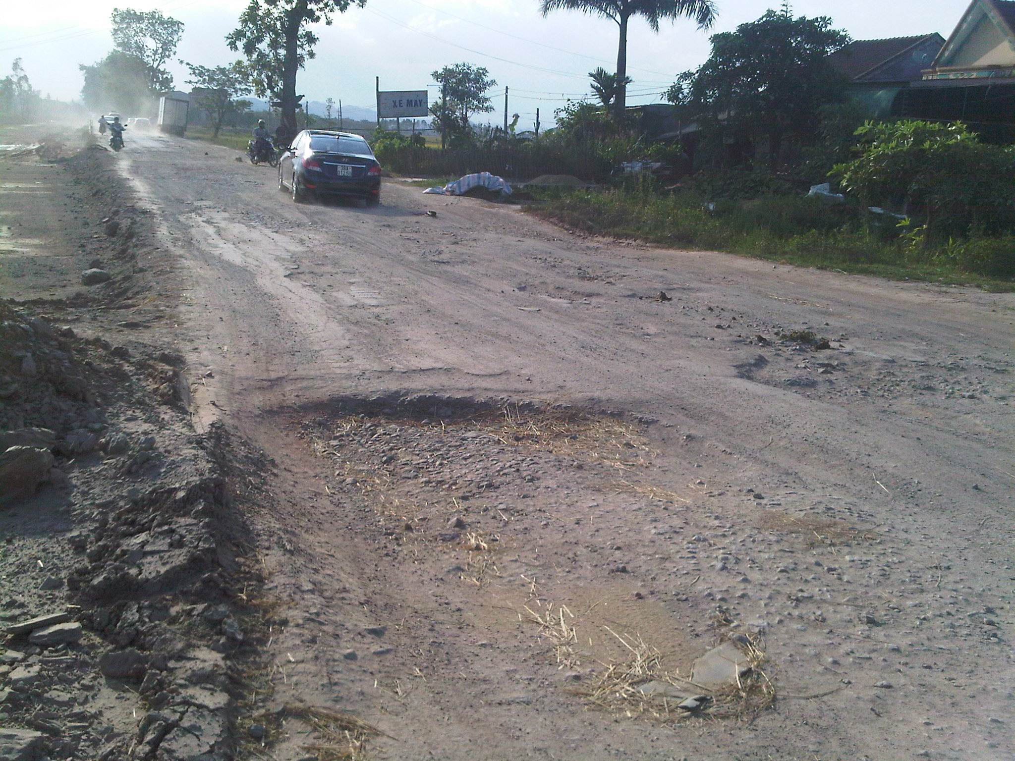 Kỹ thuật lái xe oto trên đường làng, đường quốc lộ