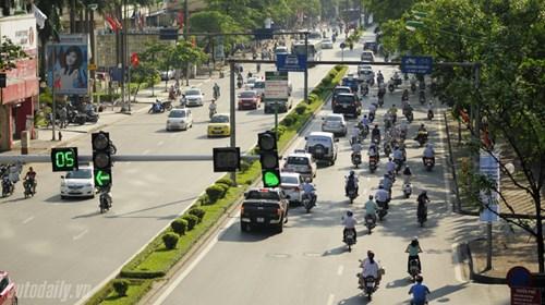 Những chú ý khi lái xe oto, xe máy trong trời nắng nóng