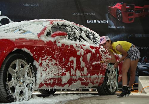 Rửa xe oto đúng cách