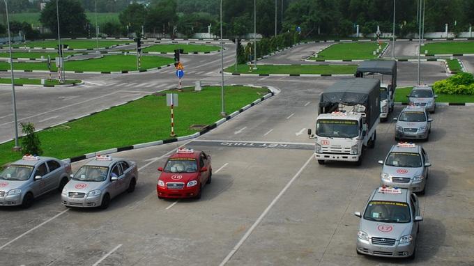 Học bằng lái xe oto tại Cầu Giấy